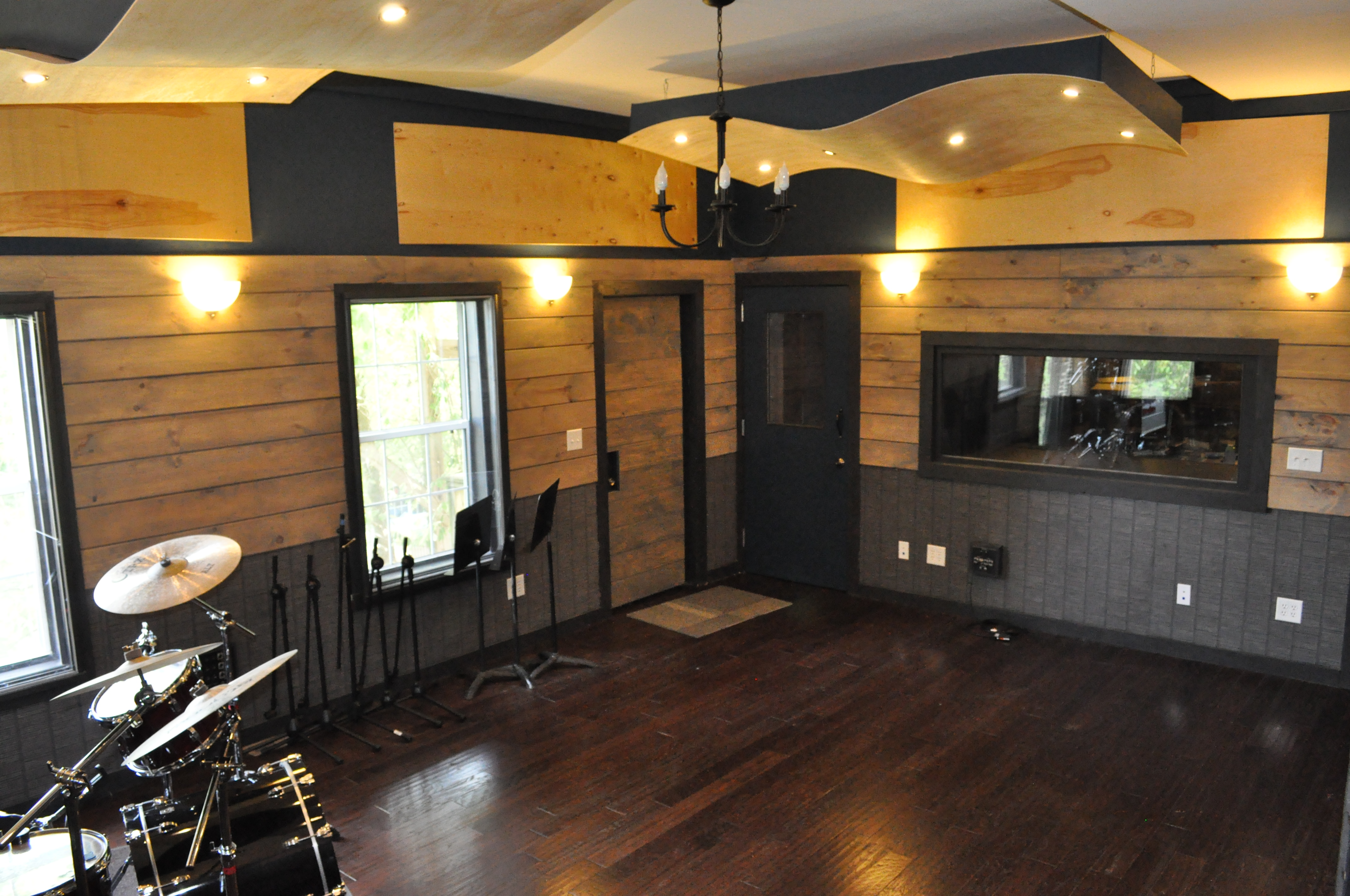 Astounding Advantage Music Production Recording Studio Rental 1500 For A Largest Home Design Picture Inspirations Pitcheantrous